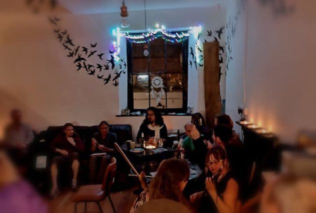 Singaround folk session in the cafe - FFF Night